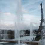 Subindo a Torre Eiffel de escadas